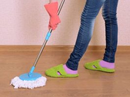 How to clean house with a mop